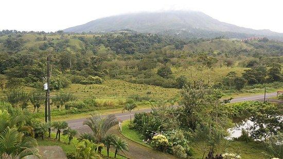 Arenal Palace: Vista al volcan
