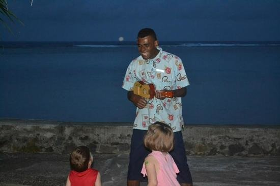 Fiji Hideaway Resort & Spa : At sundown 2-3 staff would sing outside the bures. They would even take requests for nursery rhy