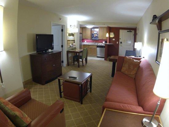 Residence Inn Orlando Airport: Living Room