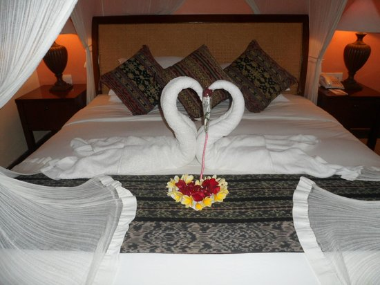 The Tanjung Benoa Beach Resort - Bali: Bed