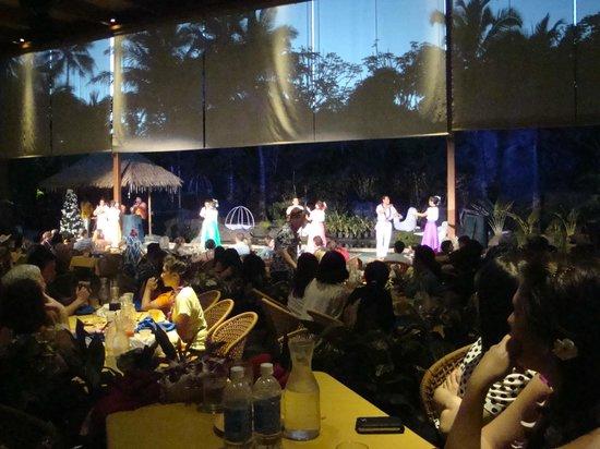 Polynesian Cultural Center: Dinner and Luau