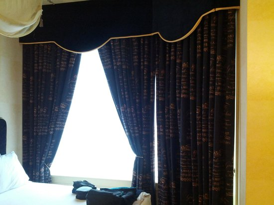 The Alise Chicago - A Staypineapple Hotel : Serious black-out drapes