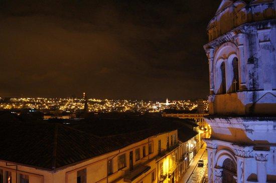 Hotel Check Inn: la vista de noche