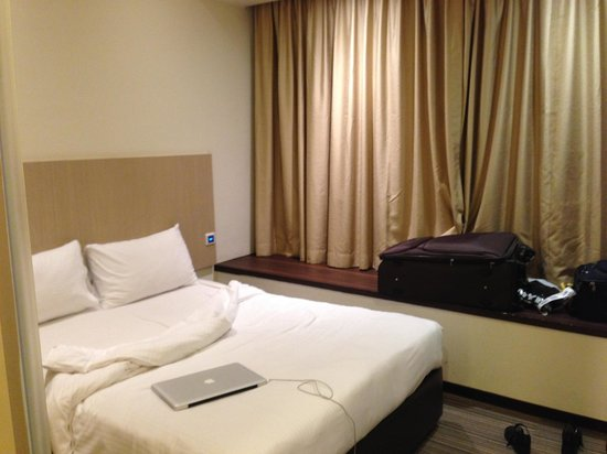 Aqueen Hotel Lavender: Queen size room