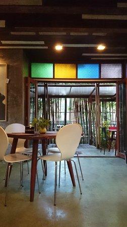 De Wiangkumkam Hotel : Cute setting in dining area