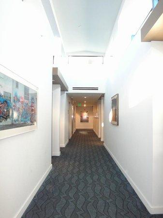 Hotel Erwin: 廊下
