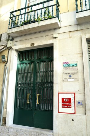 Lisbon Short Stay Apartments Baixa: Front Door.