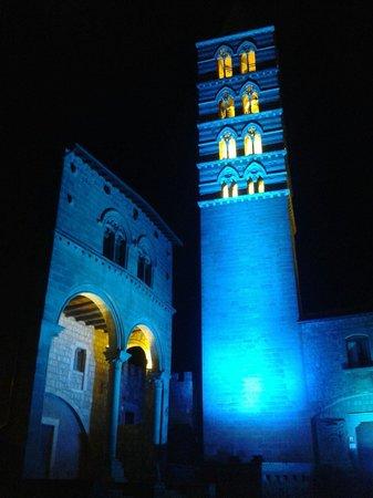 Viterbo Historic Centre: La torre del duomo e il palazzo della pagnotta: luminarie