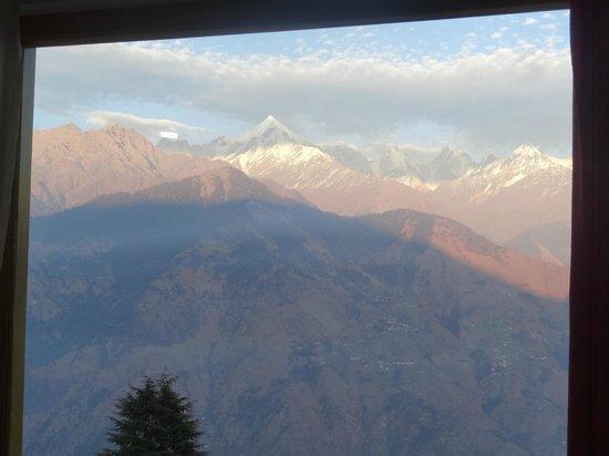 Milam Inn: Pancha Chuli Peaks view from room