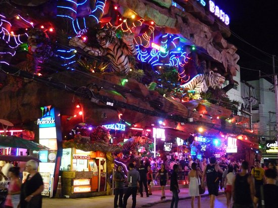 bangla road night view picture of bangla road patong. Black Bedroom Furniture Sets. Home Design Ideas