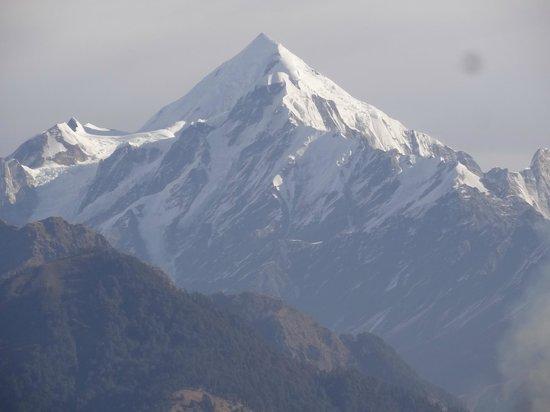 Milam Inn: One of the Pancha Chuli peaks