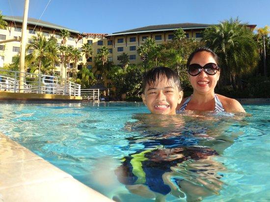 Loews Royal Pacific Resort at Universal Orlando: Swimming time...