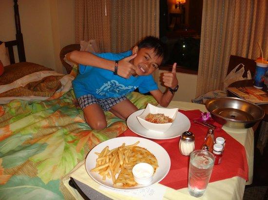 Loews Royal Pacific Resort at Universal Orlando: Great Room Service