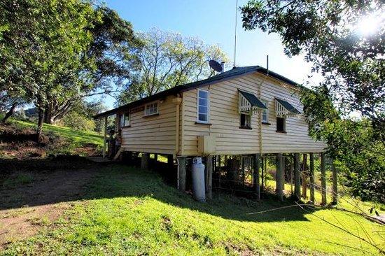 Cedar Glen Farmstay: Wallaby Cottage Exterior