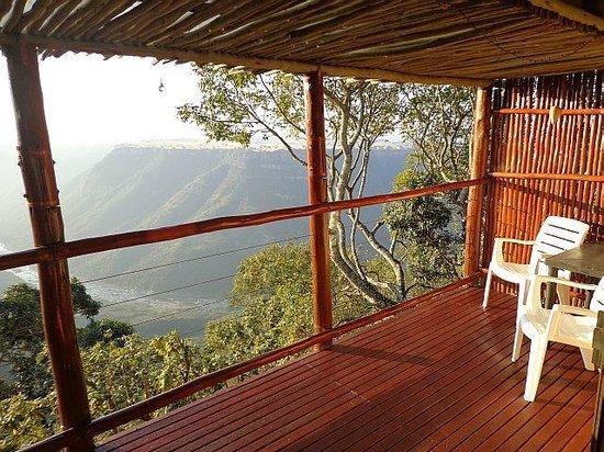 Leopard Rock Lookout Chalets & Coffee Shop/Restaurant: your terrace