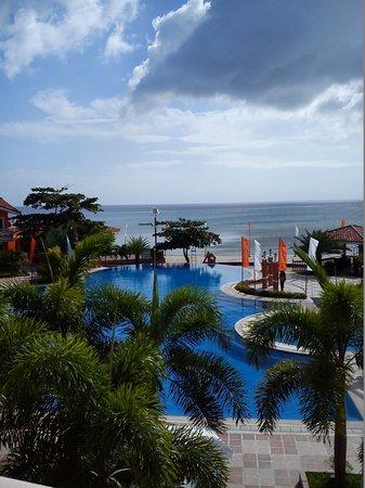 Estrellas de Mendoza Playa Resort: back drop of the hotel over looking the beach