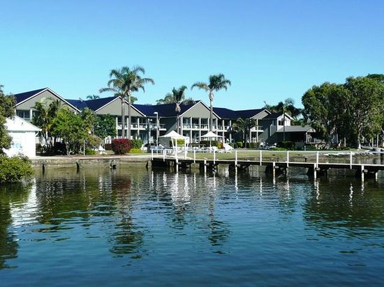 Morning in yamba picture of moby dick waterfront resort for Pool builders yamba