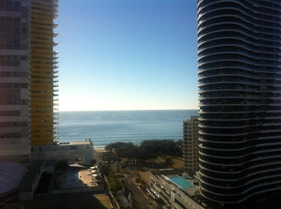 Sofitel Gold Coast Broadbeach: View from the balcony of our room