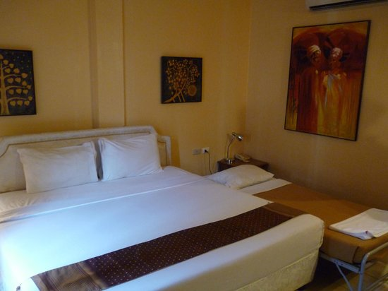 Rico's Hotel: Room
