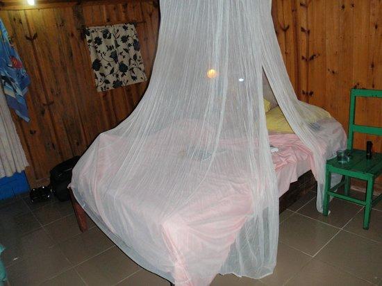 Au Gentil Pecheur: Rummet i bungalowen