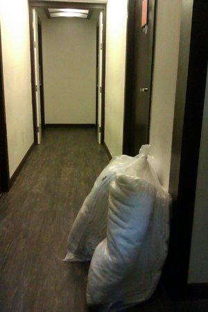 Vacio Suite: остаток от разборок с бельем у двери