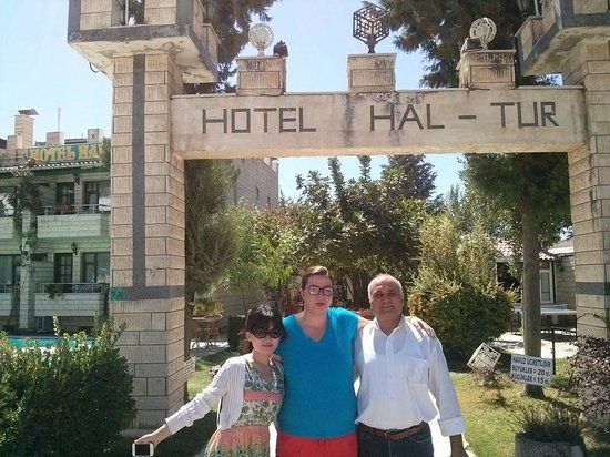 Hal-Tur Hotel : With my friends!