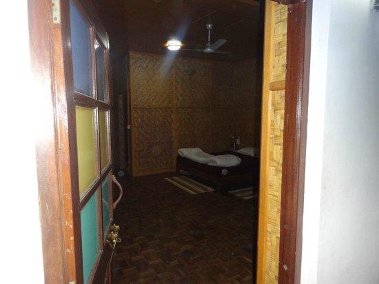 Hotel Rudraksha Palace: Cottage View 3