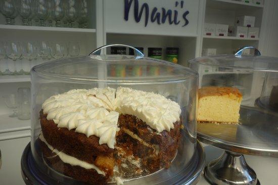 Mani's Gourmet Cafe : carrot cake