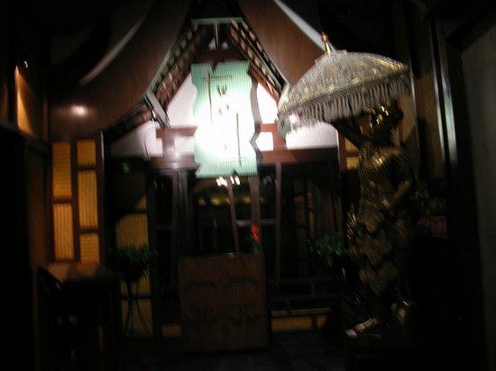 The Lalit New Delhi: top roof restaurant