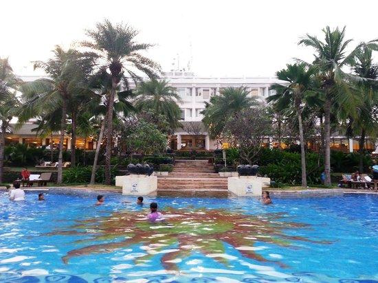Pool - Taj Fisherman's Cove Resort & Spa, Chennai: 6