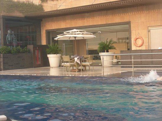 The Lalit New Delhi: pool