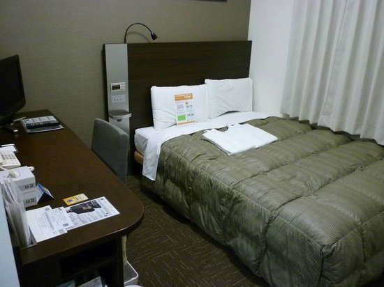 Comfort Hotel Naha Prefectural Office: 落ち着いた雰囲気の室内。