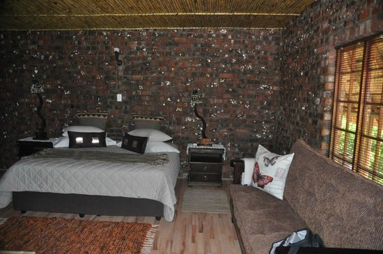 Valley Bushveld Country Lodge & Safari Tours: Zimmer
