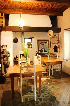 Augusta de Mist Country House: Esstische im Haupthaus