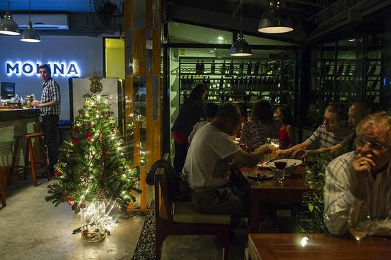 Molina Italian Wine & Cuisine: Christmas Eve 2013
