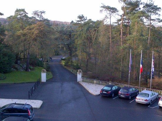 Tiara Chateau Hotel Mont Royal Chantilly : Entrée de l'hôtel