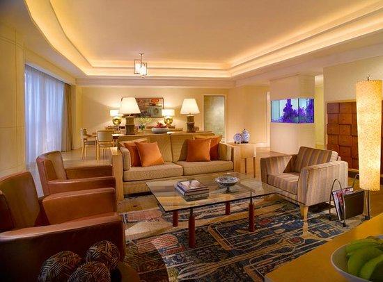 Fairmont Singapore: Junior Penthouse Suite
