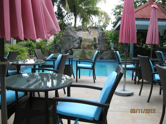 Chateau Sans Souci : Restaurant-Außenbereich