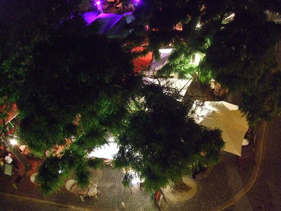 Best Western Hotel De France : Bistrot viewed from the room