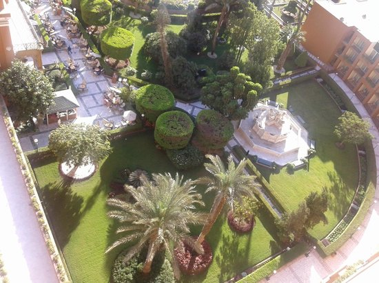 Cairo Marriott Hotel & Omar Khayyam Casino: gardens at the rear