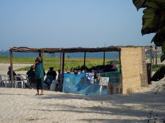 Ocean Bay Hotel & Resort : Maria's fresh fruit stall on beach