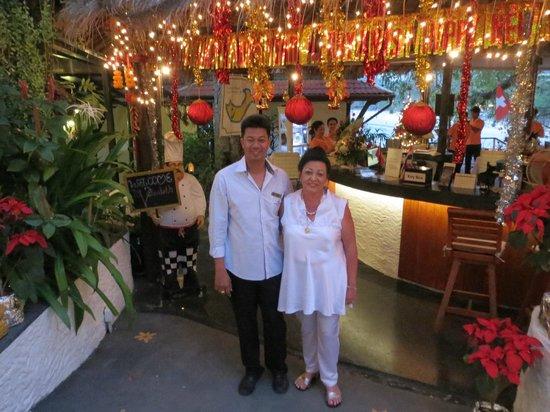 Bella Vista Restaurant: Der Vater Sompop von Bank and Boss mit Mami