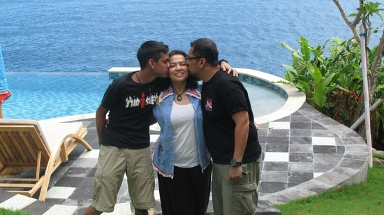 Villa Aquamarine : (eat, pray, love)