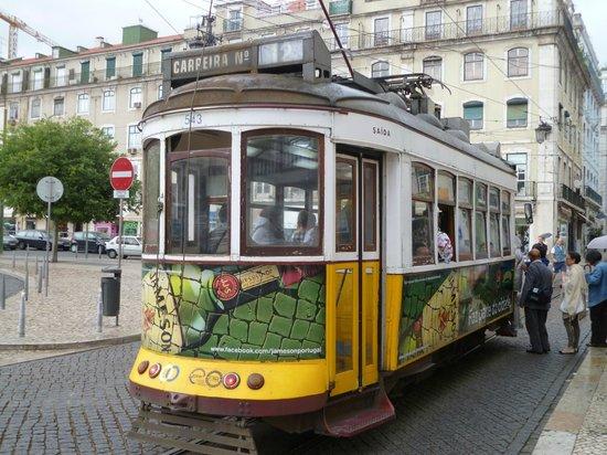 Tram 28: трамвай 2