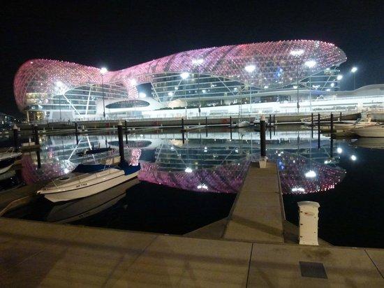 Yas Viceroy Abu Dhabi: Viceroy bei Nacht