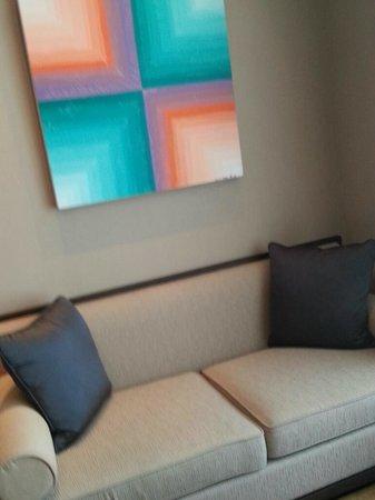 Jumeirah Himalayas Hotel Shanghai: sofa