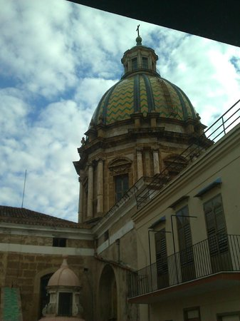 Quintocanto Hotel & Spa: San Giuseppe de Teatini - vista dal terrazzino della suite