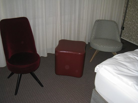 pentahotel Rostock: Fräcka stolar