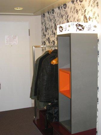 pentahotel Rostock: Garderoben