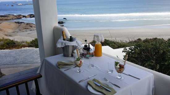 The Oystercatcher's Haven at Paternoster: Breakfast on our room patio.